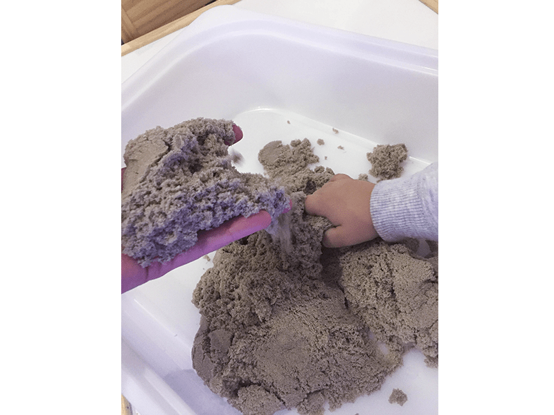 Tierra, Kinetic Sand, sorrall, familiasmulticolor, blog, bloguer, joguinesecologiques, sorteo, mamabloguera